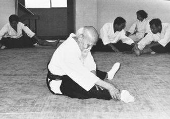 osensei-stretching006-300x210.jpg