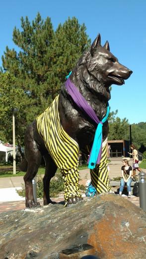Striped Husky Statue 2015.