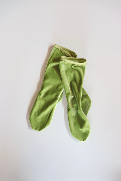 SIMONE WILD Velvet Ankle Socks APPLE GREEN