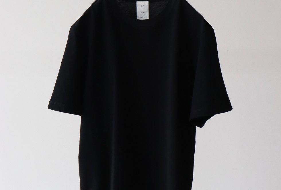 seya. ESSENTIAL T-SHIRT BLACK