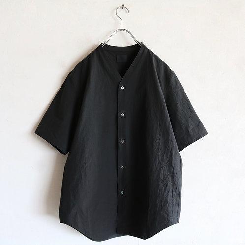 山内 高密度塩縮コットン ノーカラーシャツ -KHAKI-