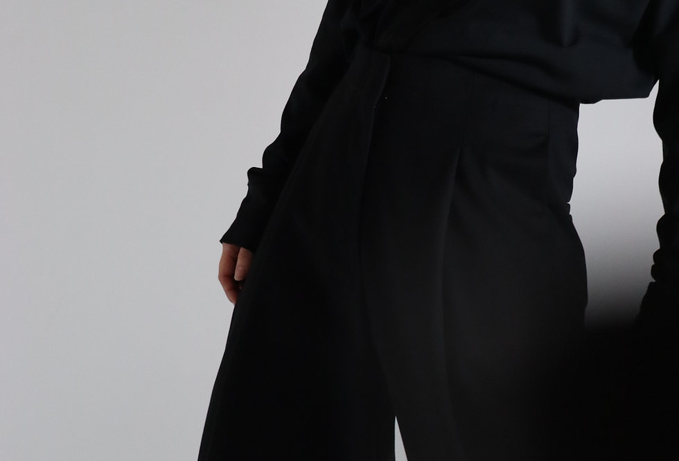STUDIO NICHOLSON PEACHED COTTON TWILL VOLUME PLEAT PANTS BLACK