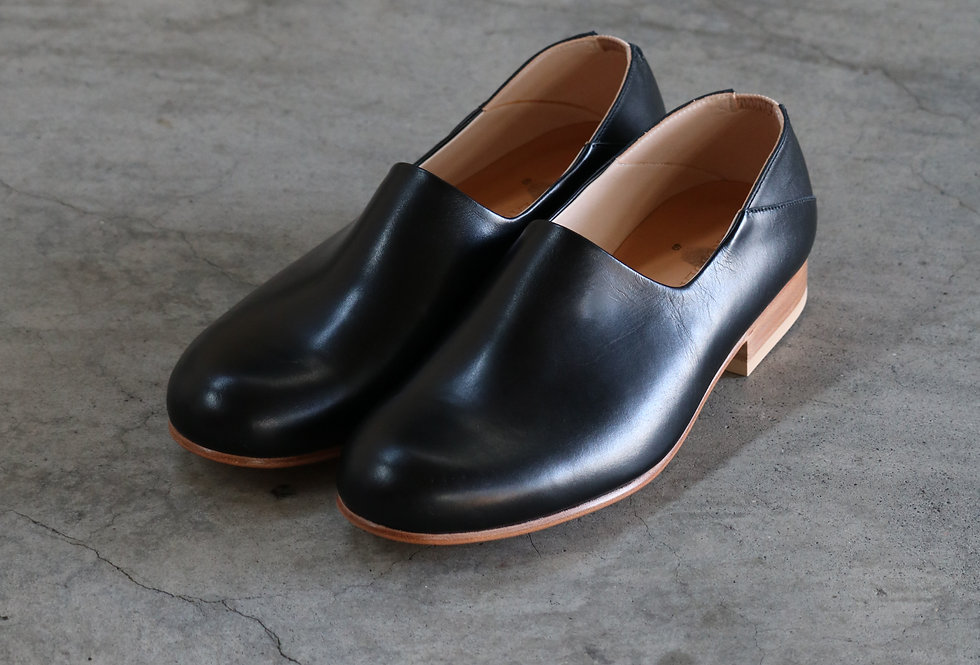PETROSOLAUM kang fu shoes black
