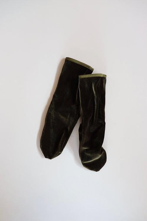 SIMONE WILD Velvet Ankle Socks OLIVE GREEN