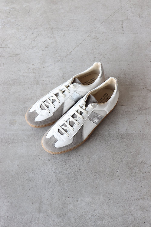 """Graphpaper """"REPRODUCTION OF FOUND"""" for GP German Military Trainer -WHITE×SILVER-"""