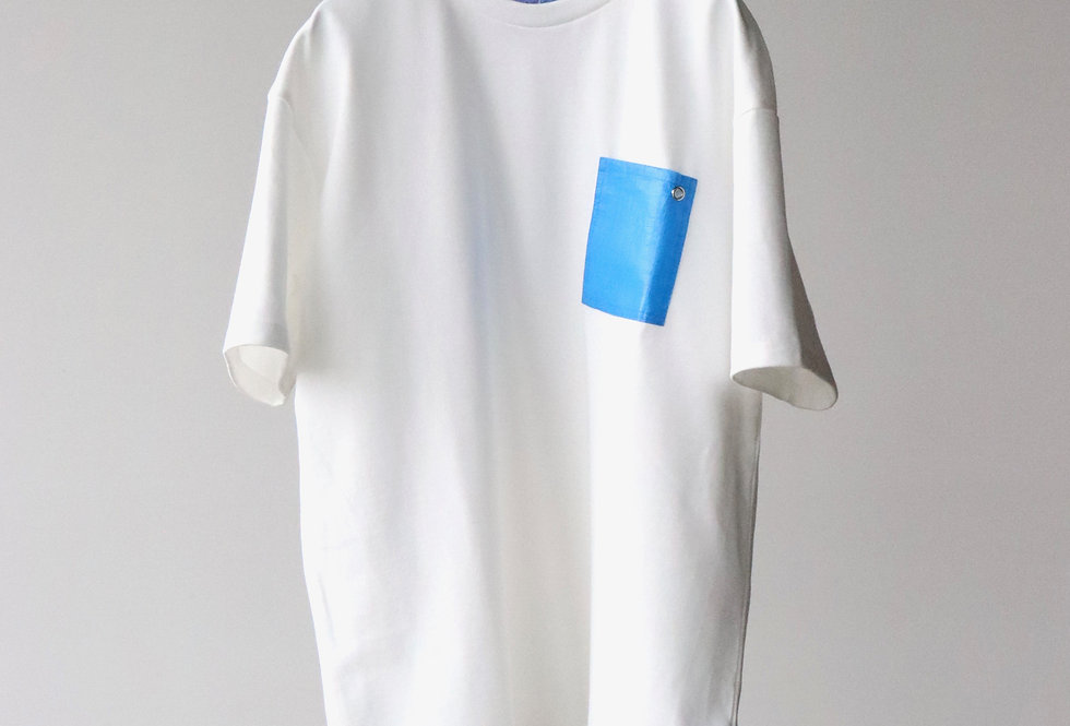 beta post Blue seat pocket T-shirt WHITE