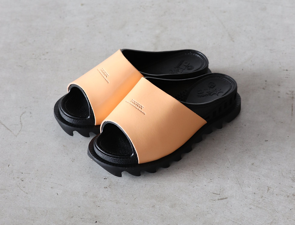 bench BENSAN-D COVERED LEATHER SHARK SOLE -BLACK/TAN-
