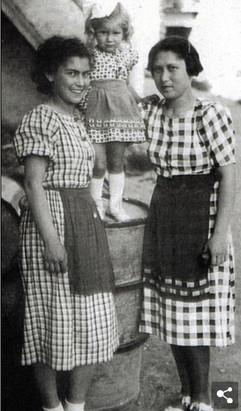 Helena Citronova #1971 with Aviva and Ruzinka