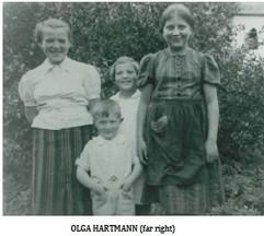 Hartmann Olinka cousin with Magduska