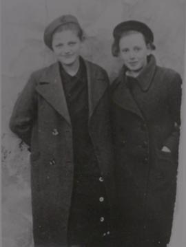 Ediths sister, Lea, with Anna Herscovicova