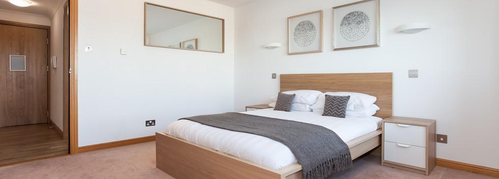 16_Bedroom 01 en suite_172 Polmuir Road