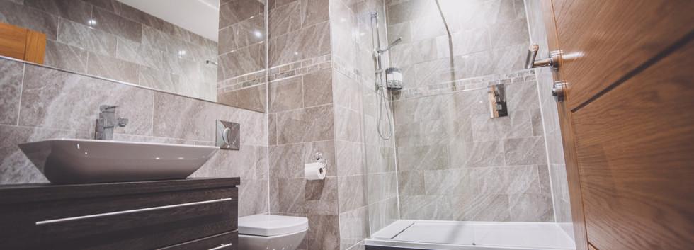 New bathroom 2.jpg