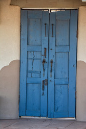 door in aldea