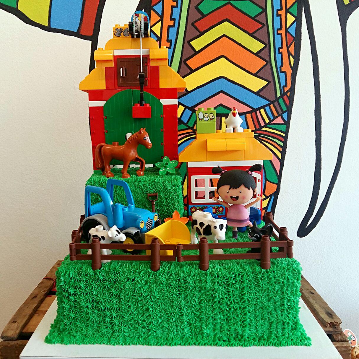 Children Animal Farm Cake Design