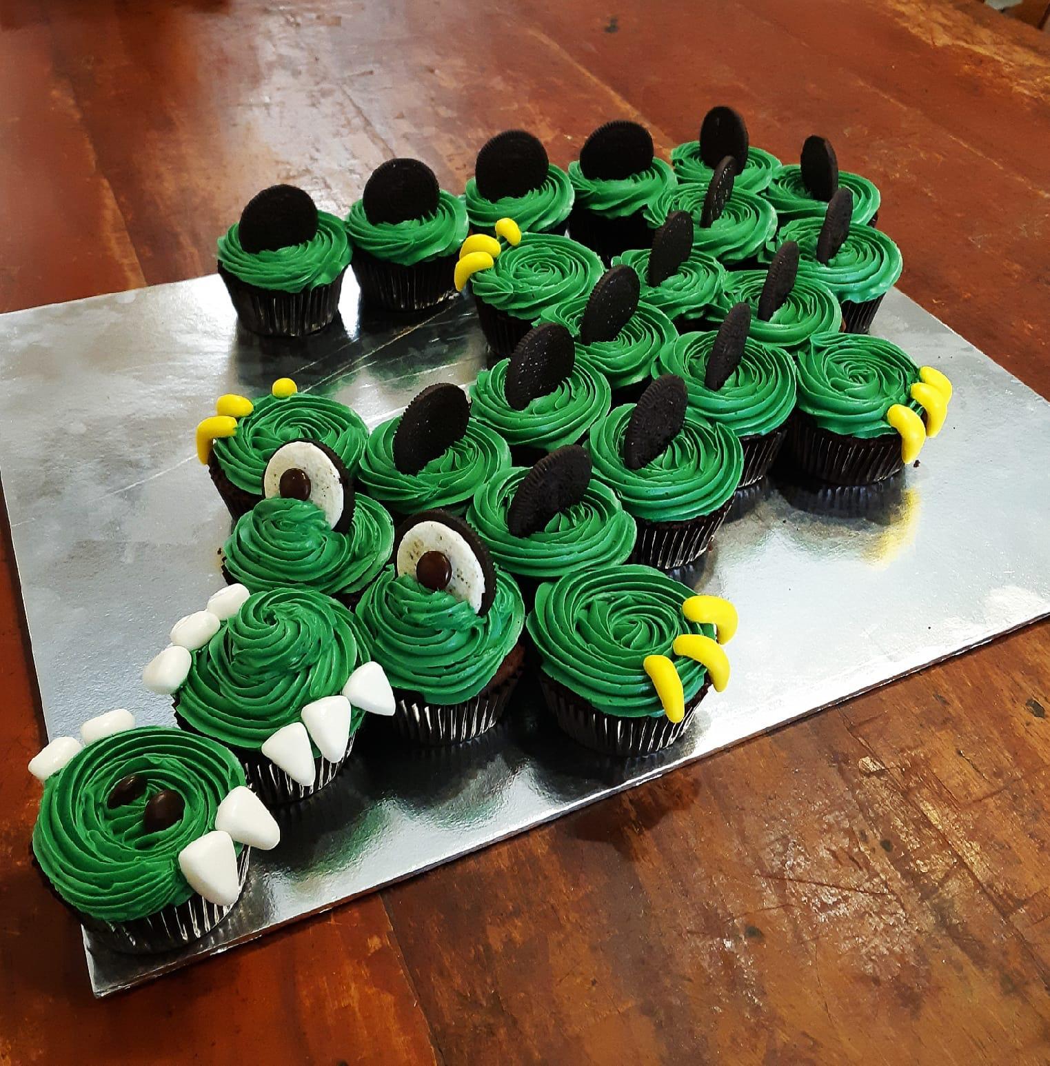 Birthday Cupcake Design (Alligator)