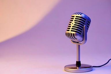 microphone-retro-isole-fond-couleur_1387