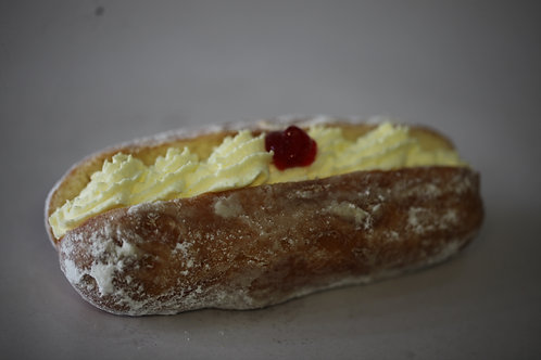 Long Fresh Cream Doughnut