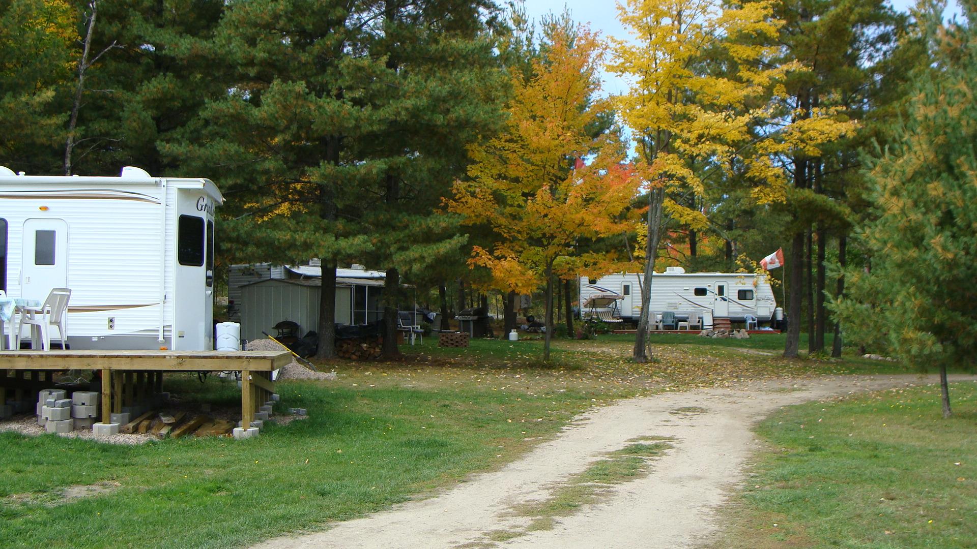 Campground & bombadiere 006