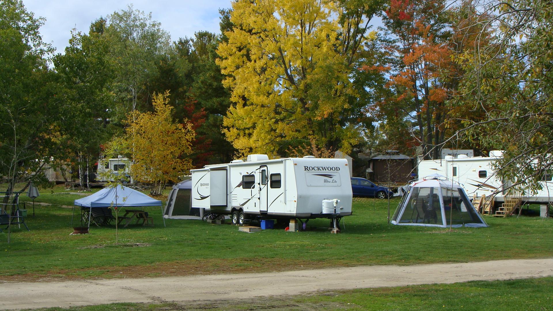 Campground & bombadiere 003