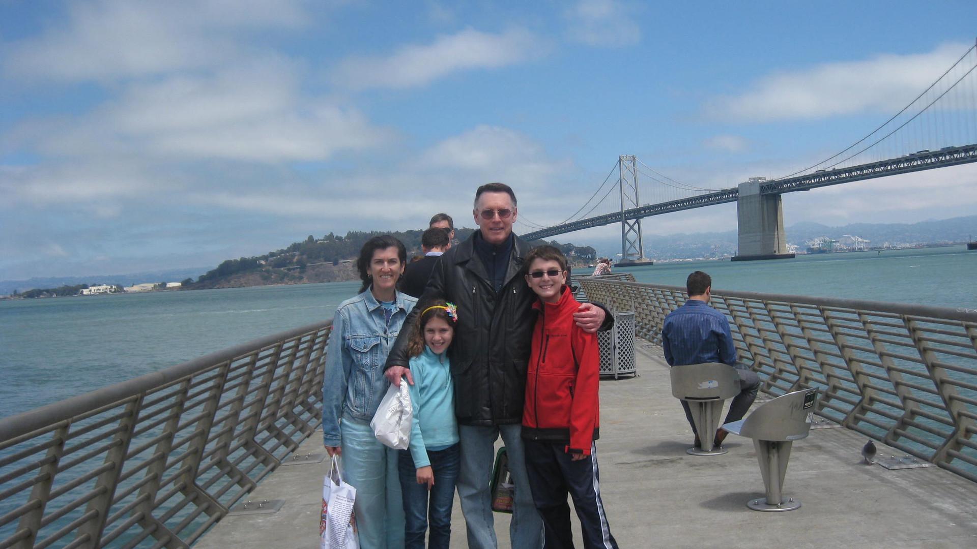 Sandy, Lisa, and kids SR IMG_0017.jpg