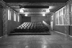 Bühne mit Blick zum Publikum