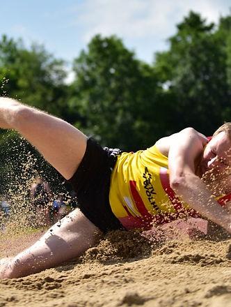 sport-4119568_1920_edited_edited_edited.jpg