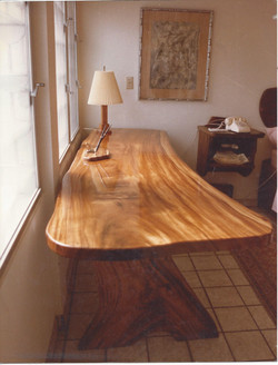 Saman Desk