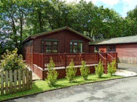 Beautiful lodge and garden