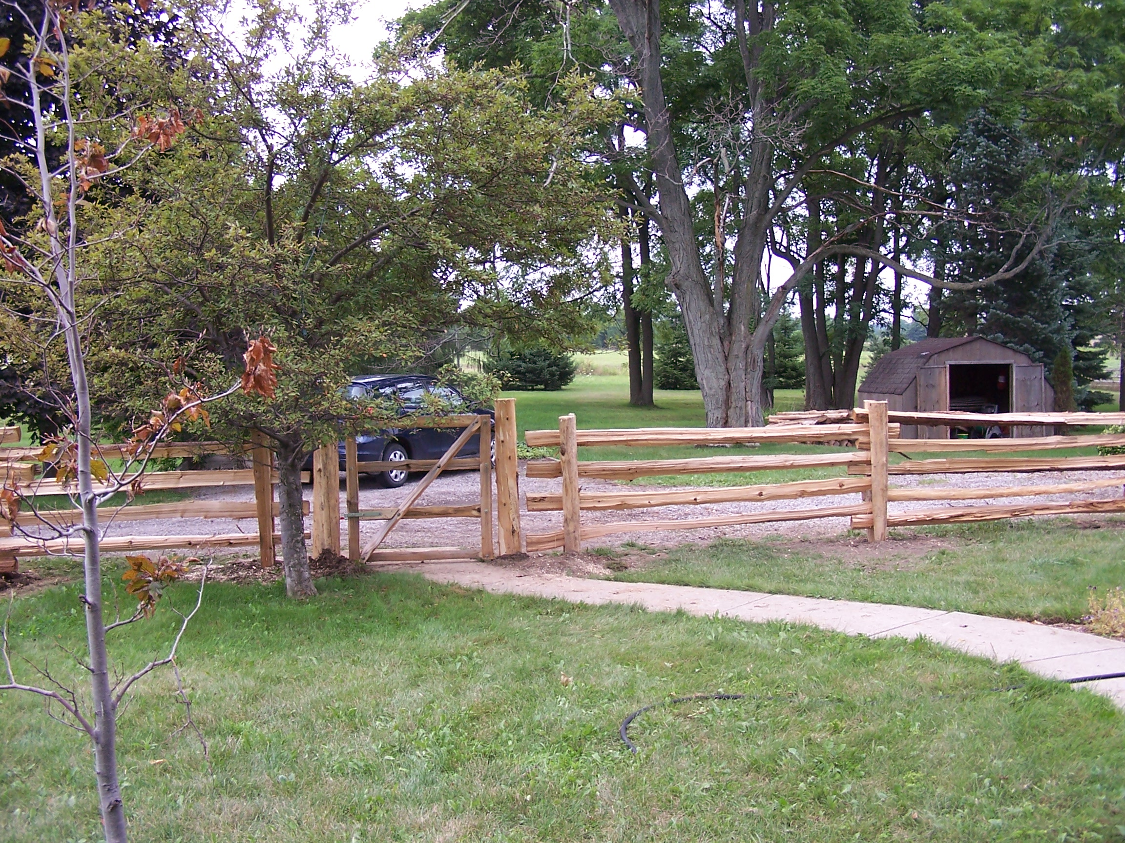 straight rail fence - gate - inside prop