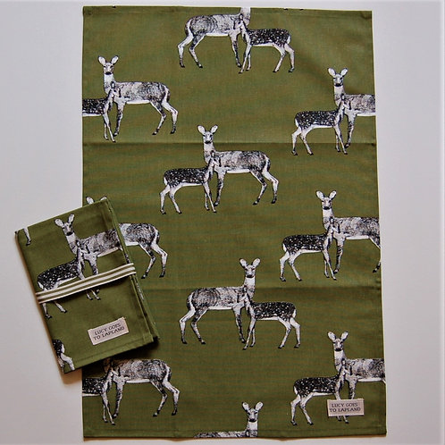 Deer tea towel green background