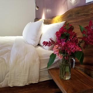 Iluminar-Room-Bed-1020Wx769H.jpg