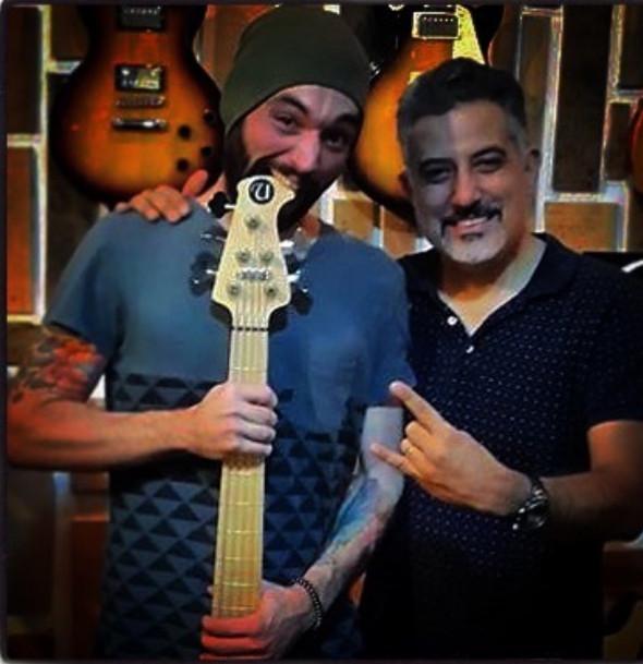 Rockaholly Guitarshop.jpg