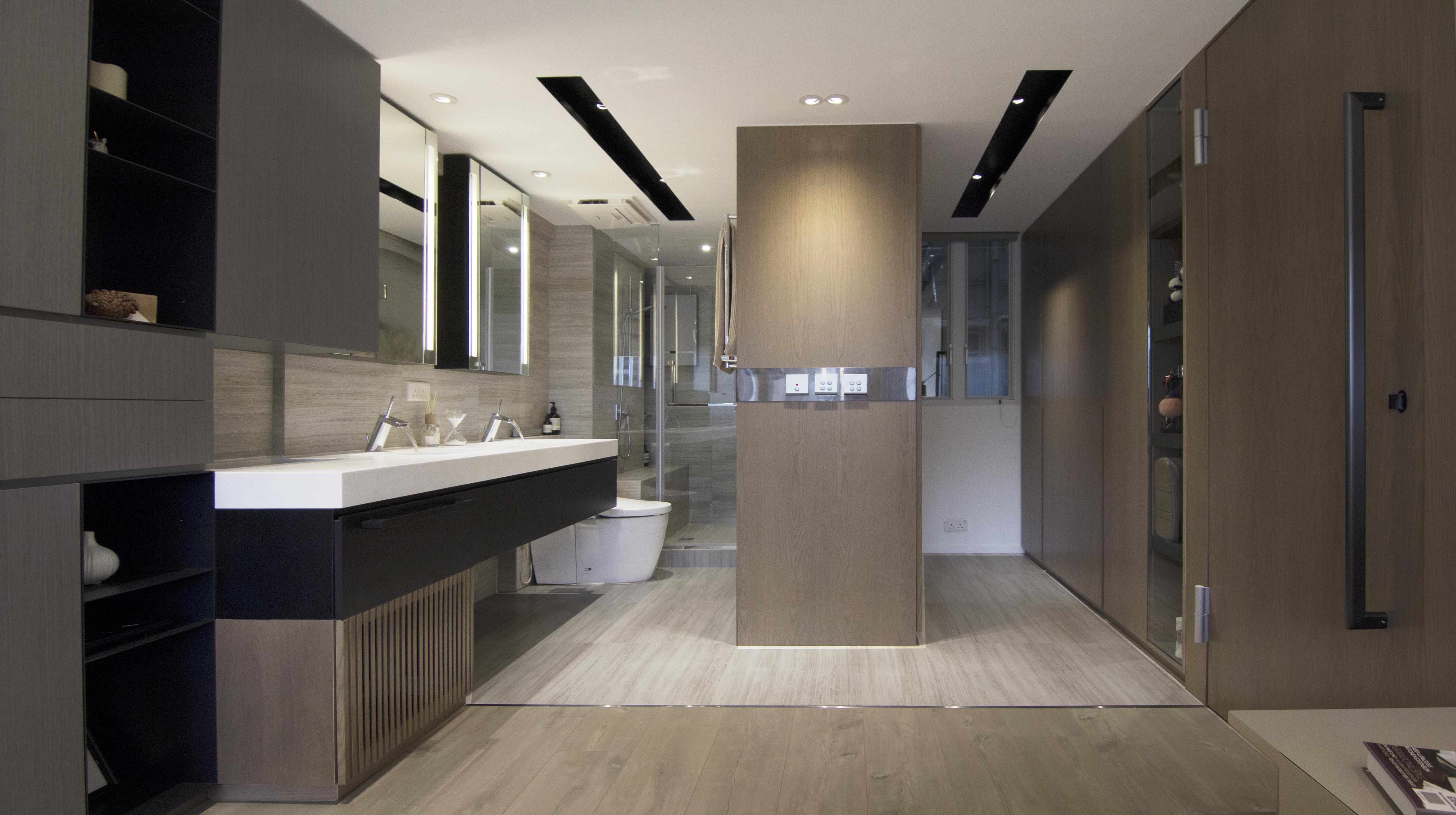 Bathroom & Closet