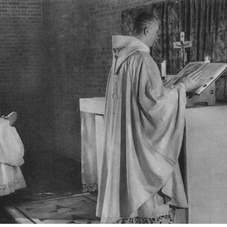 Ritus Servandus XI: De antiphona ad   Communionem et orationibus post Communionem