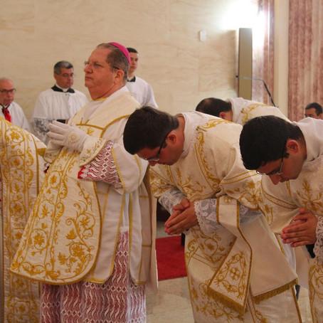 Administração Apostólica: Missal de 1962 e sacerdotes não incardinados