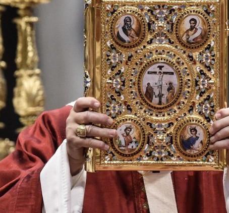 """Motu proprio """"Aperuit illis"""" do Papa Francisco institui o Domingo da Palavra de Deus."""