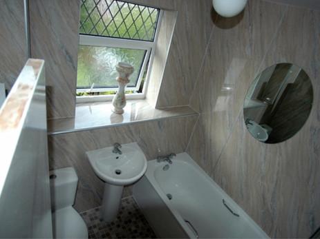 Bathroom - Caerleon - Pinfold