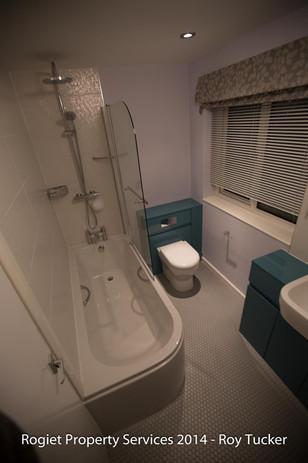 Bathroom - Derek Downer - Undy