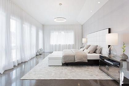 צביעת חדר שינה לבן.jpg