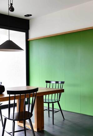 בית קפה צבע לוחות ירוק.jpg