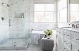 מקלחת מרוצפת שיש.jpg