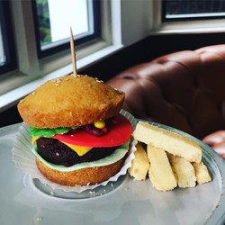 Mini Burger and Chips!