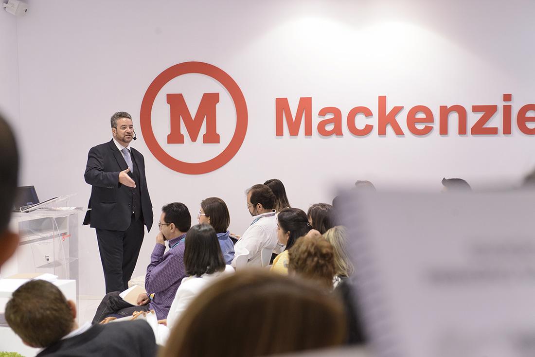 Marketing promocional. Stand - Mackenzie  Educar (39)
