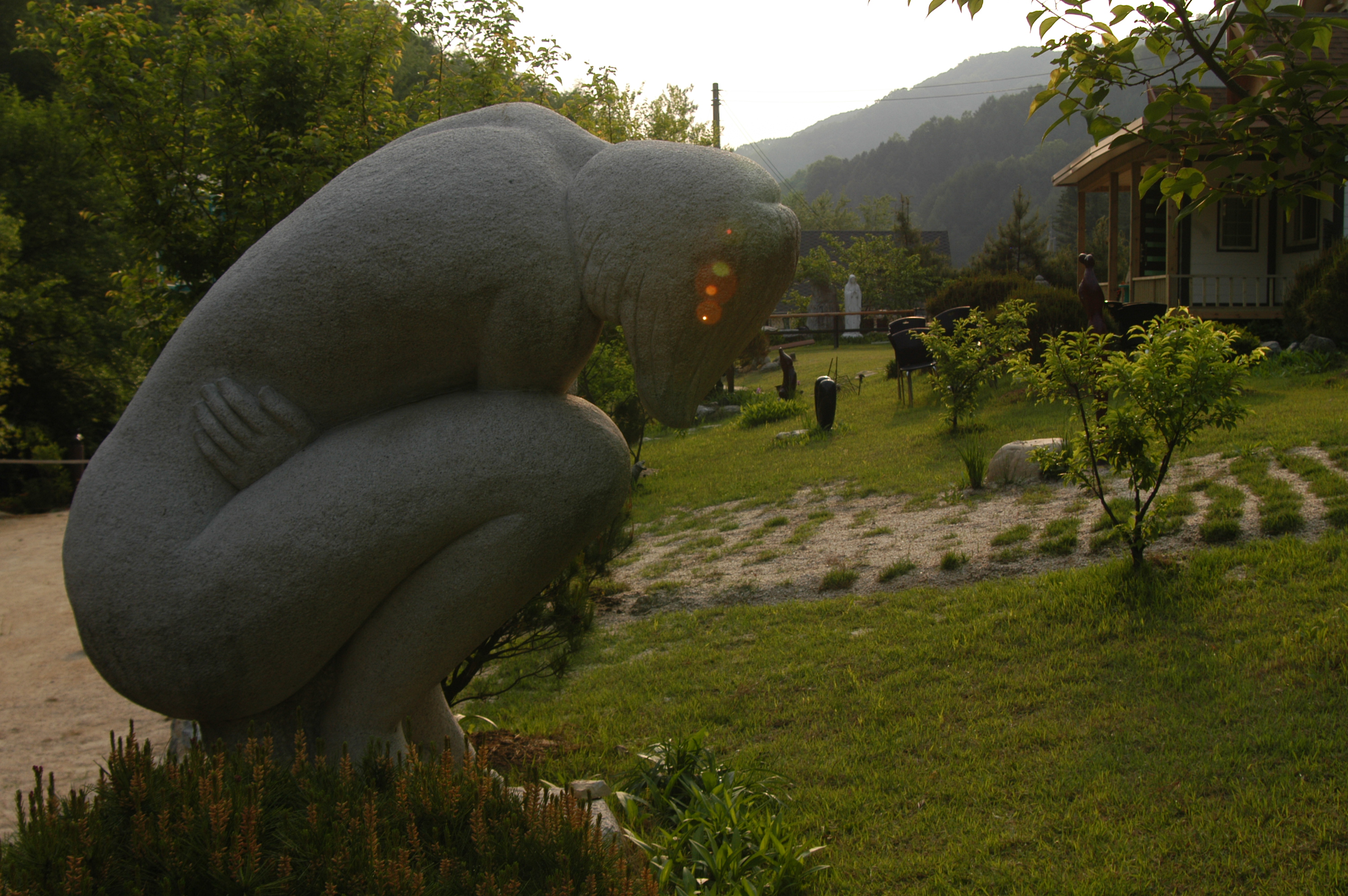 해 질 녘의 정원