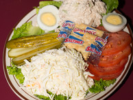 White_fish_salad_platter