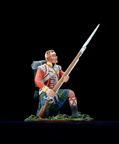 Wounded Gordon highlander kneeling