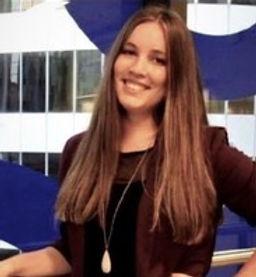 Lauren Headshot.jpeg