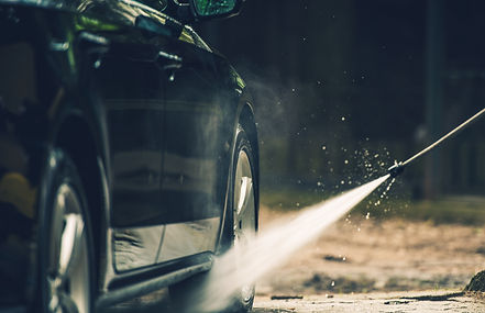 detailed-car-washing-PQEE2QY.jpg