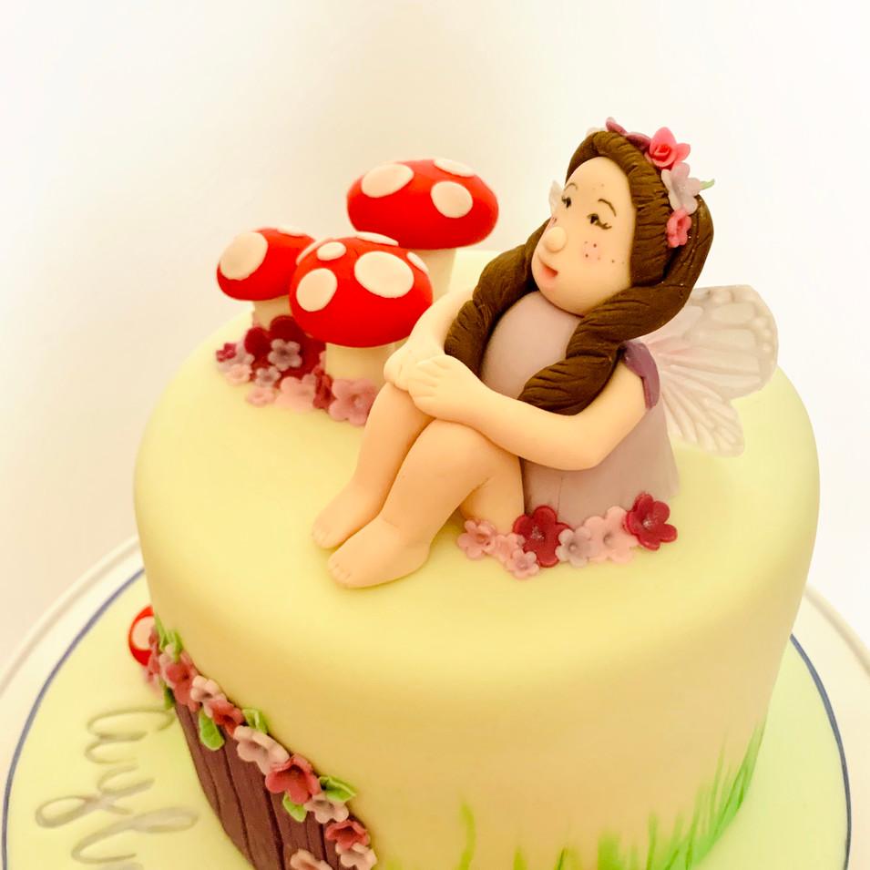 Fairy cake - fairy close up
