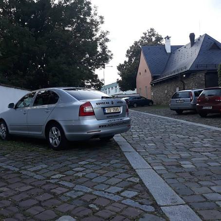 Vozíme svatbu, rozvoz svatebních hostů v Ostravě Zámek Zábřeh.